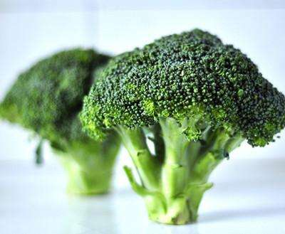 Just half a cup of broccoli a day can help older people avoid being hospitalised for a fall, new research from Edith Cowan University (ECU) has found.Researchers from the School of Medical and Health Sciences studied the diets of a group of older Western